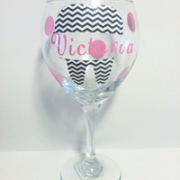 Personalized Dental hygienist Wine Glass, Dental Office Gifts, Dental Graduate gifts, Chevron Tooth decal with name