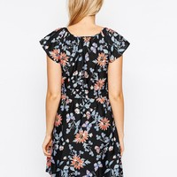 New Look Maternity | New Look Maternity Flutter Sleeve Printed Dress at ASOS