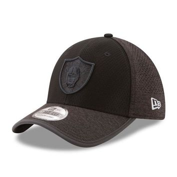 Men's Oakland Raiders New Era Black 2017 Training Camp 39THIRTY Flex Hat