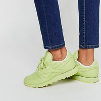 Reebok | Reebok Stunning Green Classic Leather Sneakers at ASOS