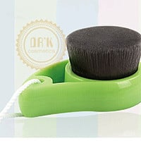 DRQ Facial Cleanser Brush-Newest Nano Bamboo Carbon Fiber Make Up Face Cleaning Brush Facial Deep Gentle Cleansing Brush with Fashion Water Droplet Shape(Green)