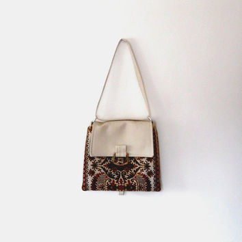 Tapestry bag / embroidered / cream bag / carpet bag / vintage / 70s / small bag / lined / floral bag / silver clasp /  faux leather bag