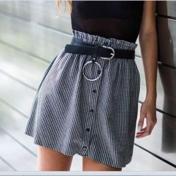 The new women's dress is A hot seller of sexy short flounce plaid a-line skirts