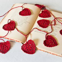 Crochet Garland Romantic Red Hearts