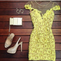 Hollow lace sexy yellow dress (XL)