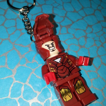 Hand Made NOVELTY Super hero KEYCHAIN ~ IRON Man ~ Ideal Gift ~ Made using Lego(r) Compatible Pieces ~ Keyring