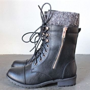 CREYKH7 the laced up combat sweater boots - black