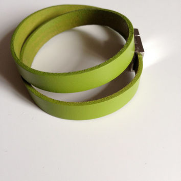 Green Leather Bracelet with Magnet Clasp, Green Infinity Leather Bracelet, Apple Green Bracelet, Lime Green Bracelet