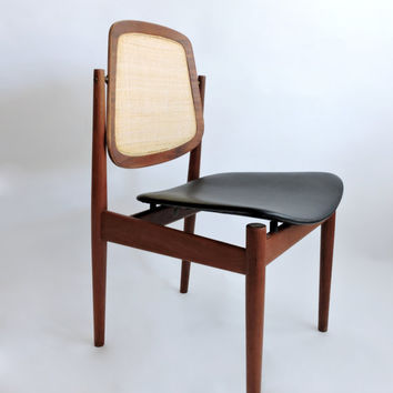 Arne Vodder F-205 Chair. Danish Modern Chair Imported by John Stuart. 1950's.
