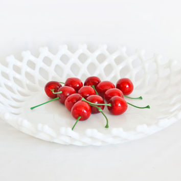 Vintage Westmoreland Lattice Fruit Bowl, Milk Glass Lace Edge Centerpiece, Winter Wedding Decor