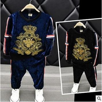 Children's clothing 2017 autumn new boy crown sequin pattern round neck sweatershirt with casual pants gold velvet two suit