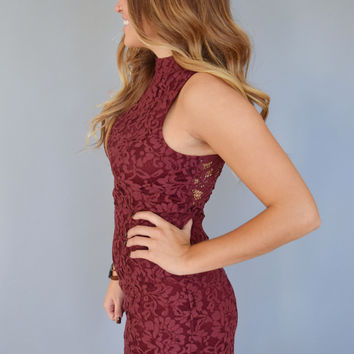 Uptown Lace Dress Berry