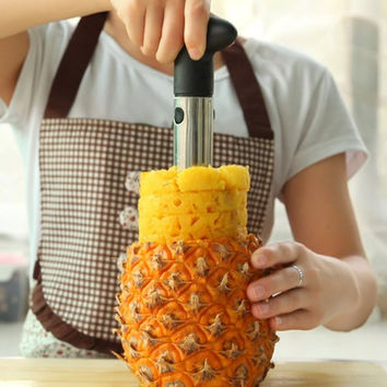 Pineapple Easy Slicer and De-Corer