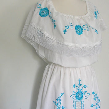 White Summer Dress / vintage peasant dress / 70s dress / sundress / embroidered / off the shoulder / med lg