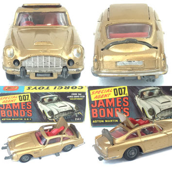 Vintage Corgi James Bond 007 Aston Martin Diecast Toy Car