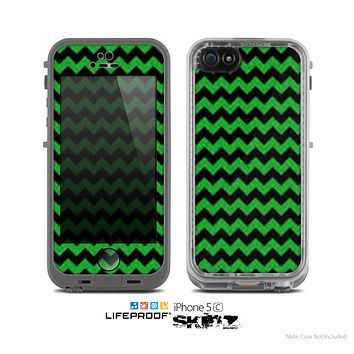 The Green & Black Chevron Pattern Skin for the Apple iPhone 5c LifeProof Case
