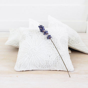 Lavender Sachet in Vintage Linen, Romantic Home Decor, Daisies