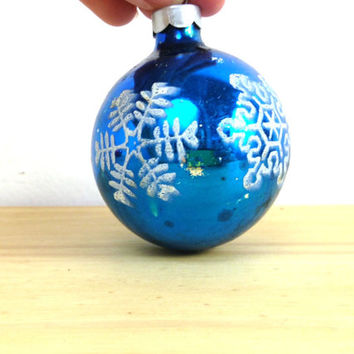 Vintage Shiny Brite / 50s Glass Ornament / Snowflake Stencil / Blue Ball Ornament / Christmas Ornament / Mercury Glass