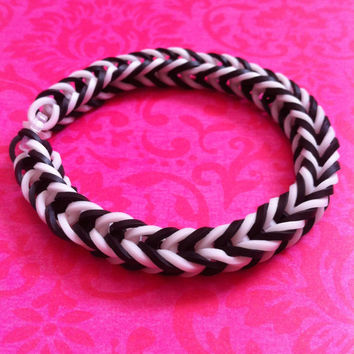 Black and White Rubber Band Bracelet - Rainbow Loom