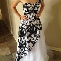 Morgan & Co Black And White Prom Ball Gown Dress 55% off retail