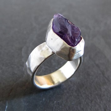 Sterling silver and rough amethyst ring // rough gemstone ring / statement ring / unique ring / rustic ring / rough ring / raw amethyst