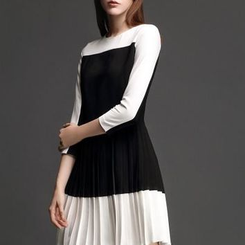 Black and White Pleated Women's Day Dress