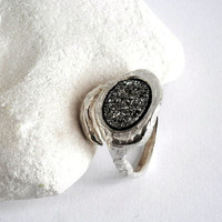 Silver statement ring,sterling silver ring,Stone Ring,Unique Silver RIng,Cocktail Ring,Large Silver Ring,textured ring