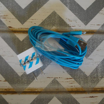 New Super Cute Blue/White Chevron Jeweled Wall iphone 5, 5c, 5s 10ft Cable Charger Great Stocking Stuffers
