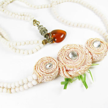 Vintage Peach Rose Necklace with Amber Heart Charm / Vintage Wedding Necklace - Collier.