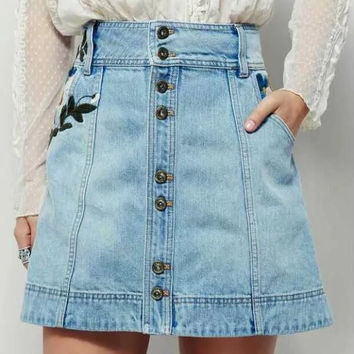 Embroidered Single Breasted Pockets Denim Skirt