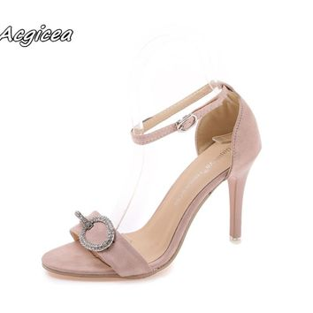 2018 Summer open toe  Thin Heels high-heeled sandals female metal sequins fashion buckle thick with Female sandals shoes f051