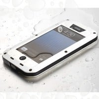Hard Metal Corning Gorilla Glass Shockproof/Dustproof/Weatherproof Brand NEW Case IPhone 5C (White) (NHDY2)