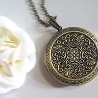 Imperial Floral Filigree Vintage Inspired Large Round Floral Antique brass Photo/Pictures Locket Long Necklace