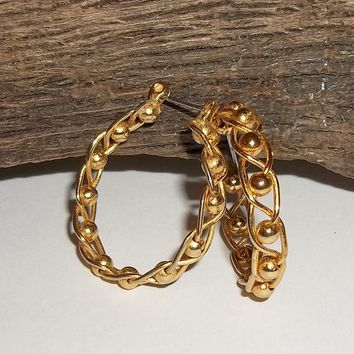 "Vintage Gold Tone Twist & Ball Design 1"" Hoop Earrings"