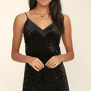Velvet Portrait Black Bodycon Dress