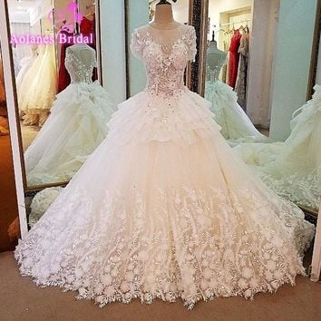 Real Pictures Ball Gown Bridal Dress Vintage Muslim Plus Size Lace Appliques Flowers Wedding Dress Sleeveless 2017 New Arrival
