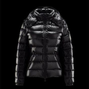 VONE2IS Moncler Bady Detachable Hood Black Jackets Lacquered Nylon Womens 41224540LT
