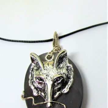 Wolf Jewelry Pendant Grey Agate