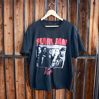 Vintage RARE Pearl Jam Vitalogy Tour Shirt - loose fit