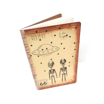 UFO Believe Notebook, Roswell Travel Journal, Pocketbook, Area 51, Aliens Journal, Geek Gift, Science Fiction , Flying Saucer Journal