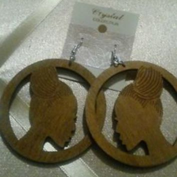 NWOT Circle Ethnic Beauty Afro Hair Afric/ Girl Woman Natural Wooden Earring