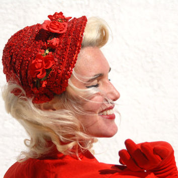 Vintage 1940s red hat, rose flower ladies woven raffia formal fascinator headpeice headband 1950s pin-up