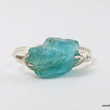 Raw Apatite Ring, Natural Rough Crystal Gemstone Silver Wire Wrap Ring, Blue Boho Ring, Bohemian Wrap Stone Ring, Rustic Bridesmaid Ring