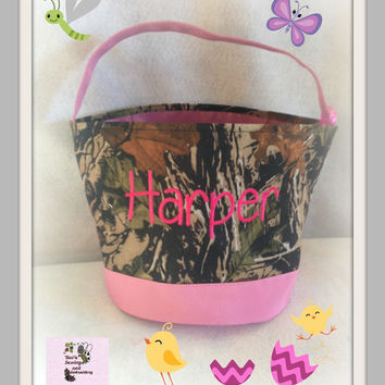 Pink Camo Easter Buckets  personalized Easter Basket , Chevron Bucket , Chevron Tote ~~Ready to Ship~~