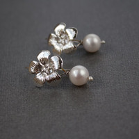 Sterling Silver Flower ear rings with Fresh water pearl drops, 925 jewelry