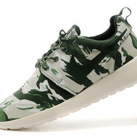 n069 - Nike Roshe Run (Floral Prints Green Camo)