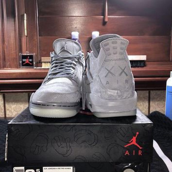 PEAP8 Air Jordan 4 Retro Kaws Sz 9.5 Ds. With box