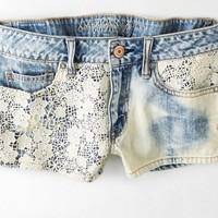 AEO 's Destroyed Denim Crochet Shortie (Light Bleach)