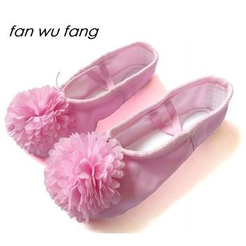 fan wu fang 2017 New Canvas Decorated Chrysanthemum Dancing Soft Ballet Dance Shoes Slippers Cow Leather Sole Women Children