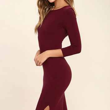 Elegant Artistry Burgundy Bodycon Midi Dress